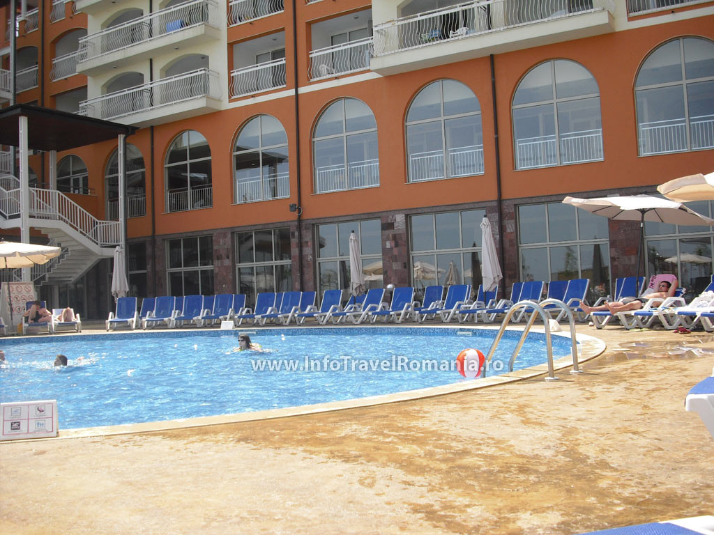 hotel19-piscina-exterioara-copii-hotel-sol-luna-bay