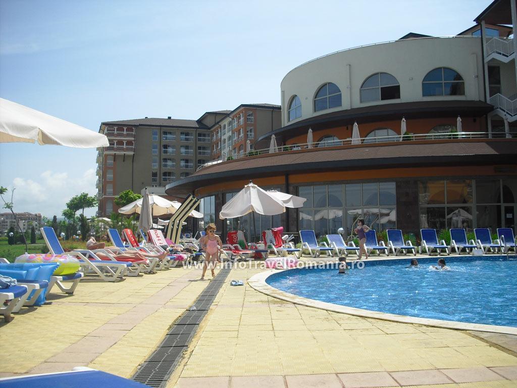 hotel20-piscina-exterioara-copii-hotel-sol-luna-bay