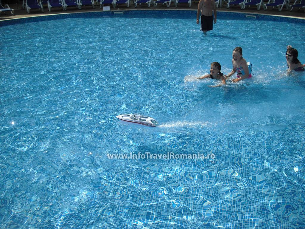 hotel22-piscina-exterioara-copii-hotel-sol-luna-bay