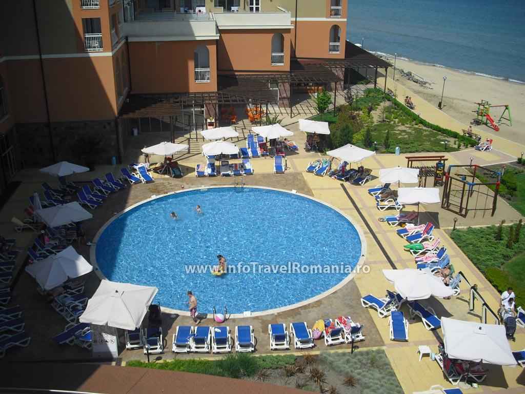 hotel24-piscina-exterioara-copii-hotel-sol-luna-bay