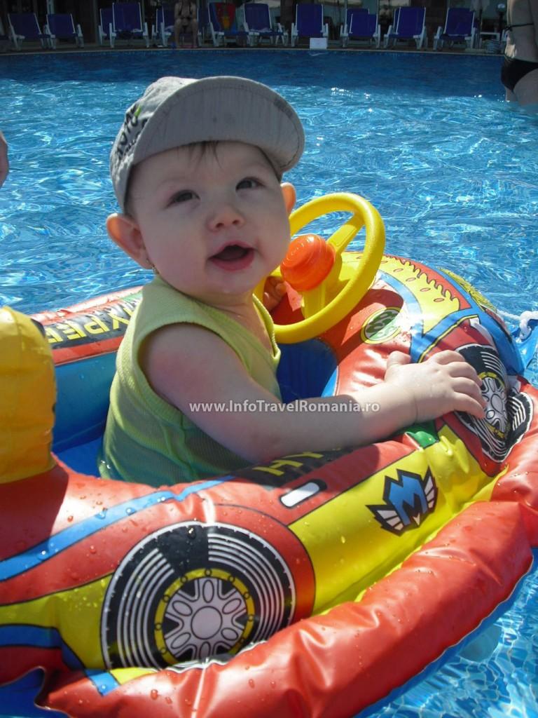 hotel27-piscina-exterioara-copii-hotel-sol-luna-bay