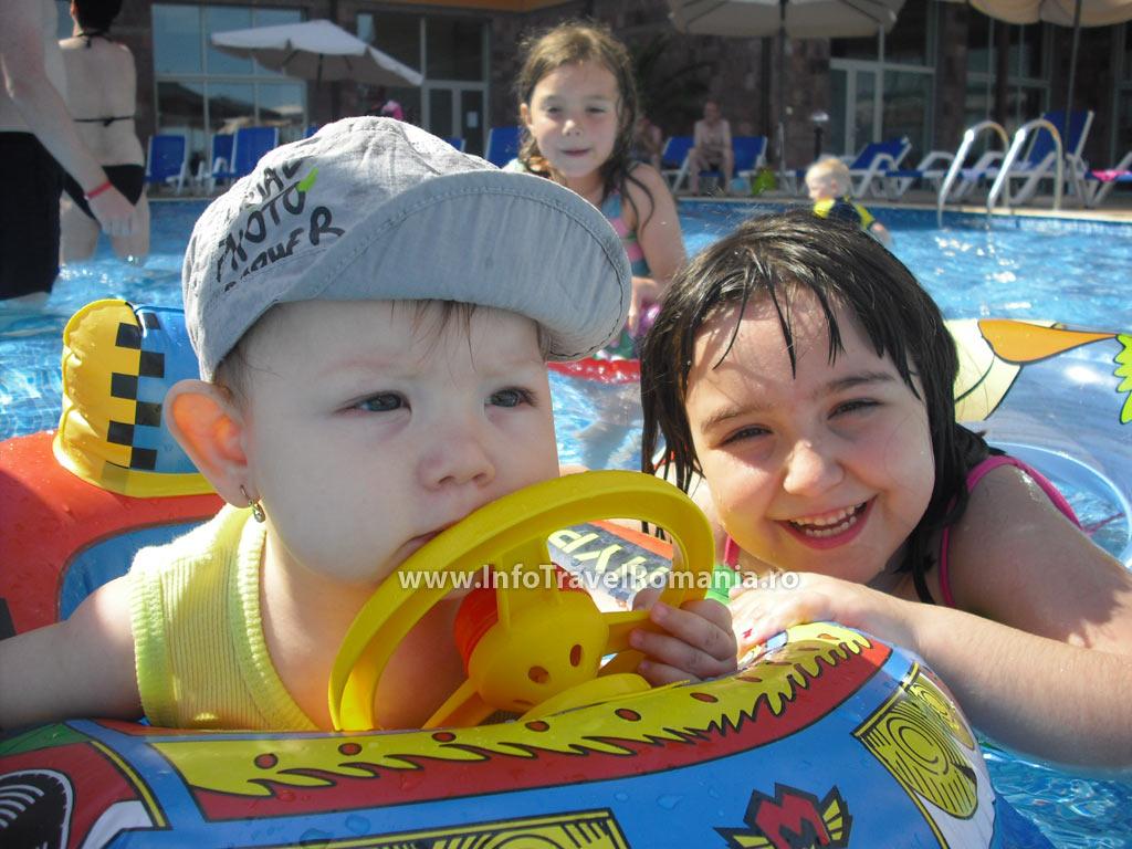 hotel30-piscina-exterioara-copii-hotel-sol-luna-bay