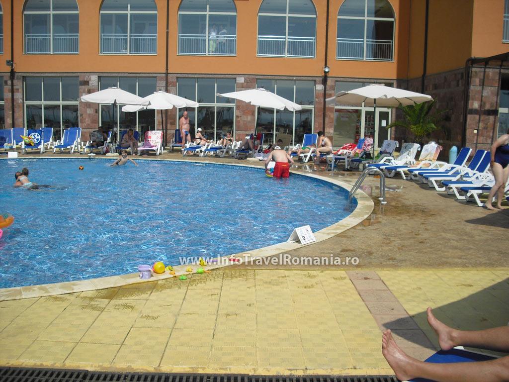 hotel34-piscina-exterioara-copii-hotel-sol-luna-bay