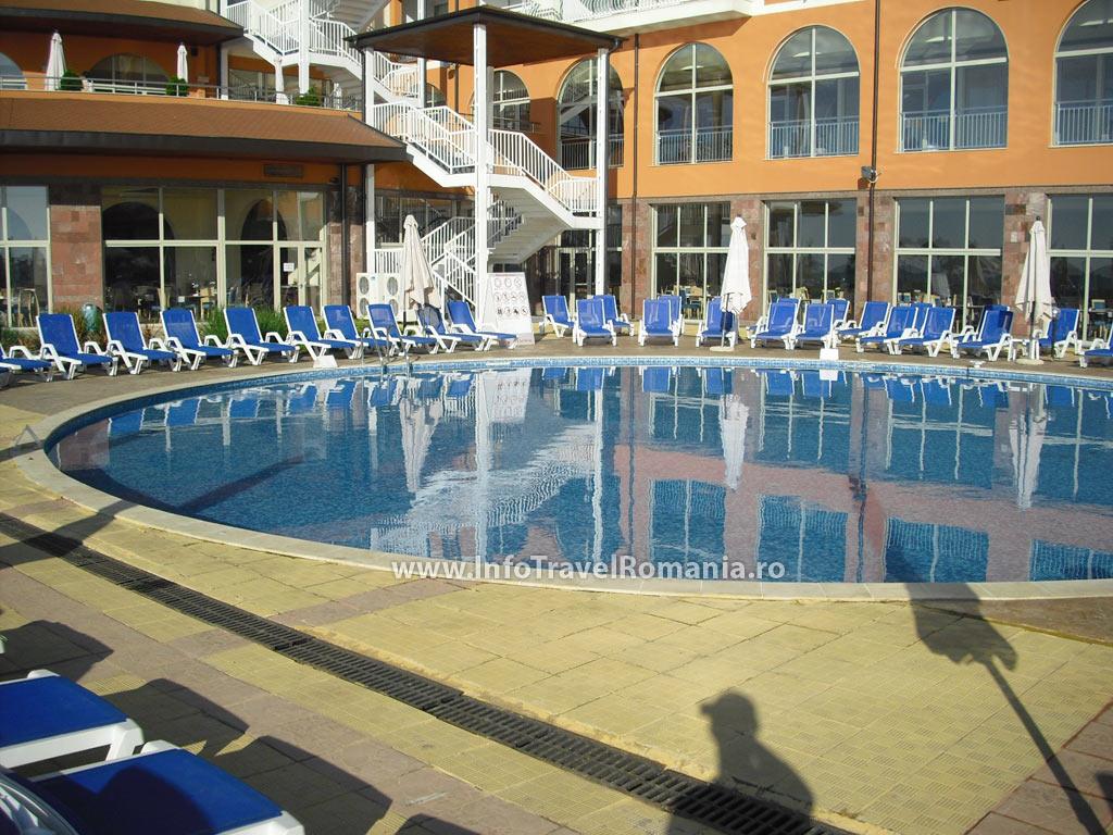 hotel35-piscina-exterioara-copii-hotel-sol-luna-bay