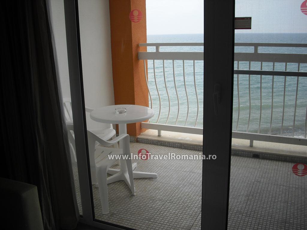 hotel3_balcon_sol_luna_bay