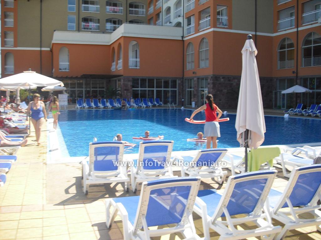 hotel44-piscina-adulti-sol-luna-bay