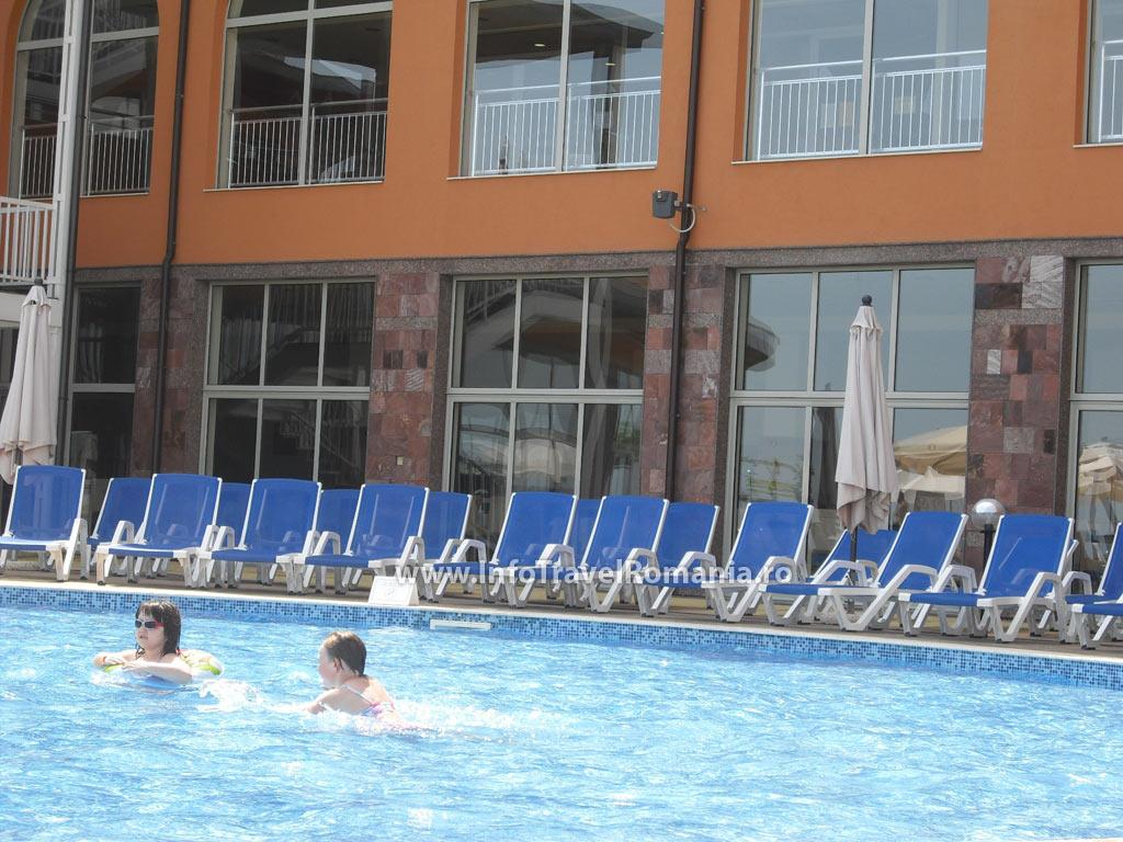 hotel45-piscina-adulti-sol-luna-bay