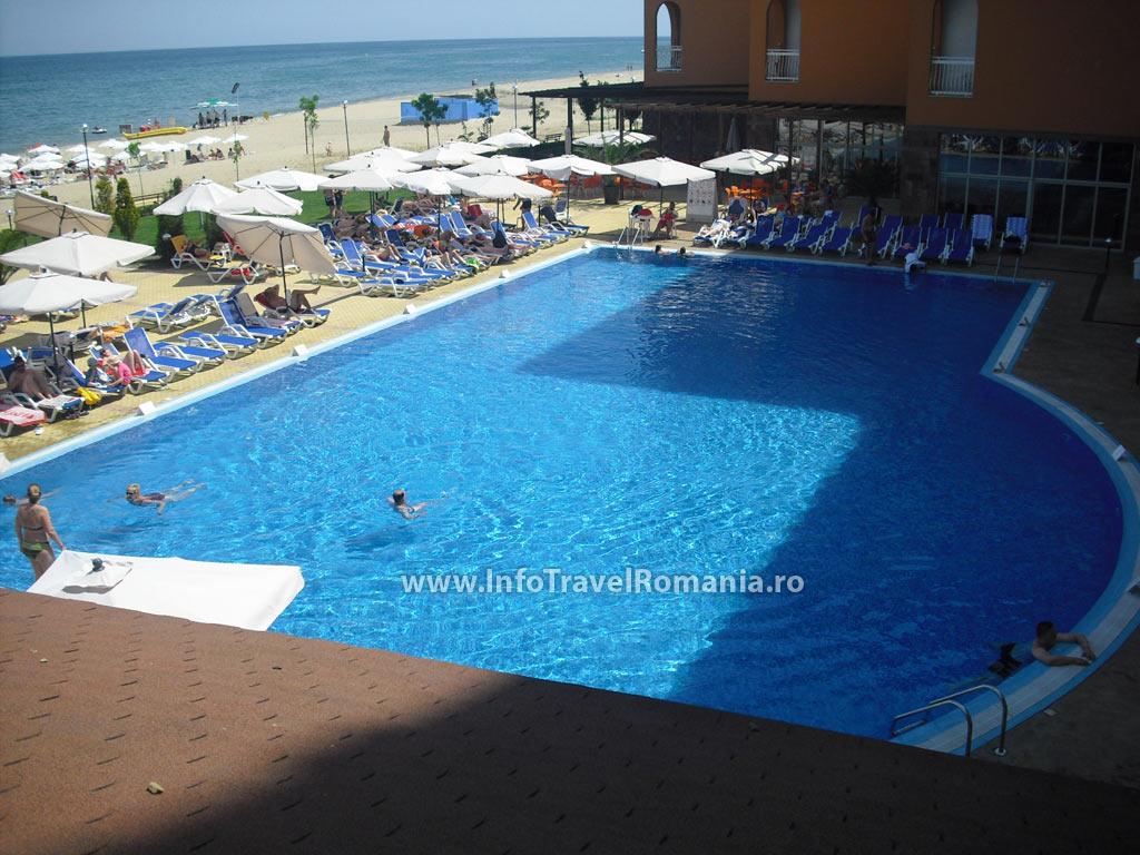 hotel46-piscina-adulti-sol-luna-bay