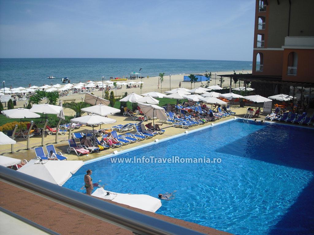 hotel47-piscina-adulti-sol-luna-bay