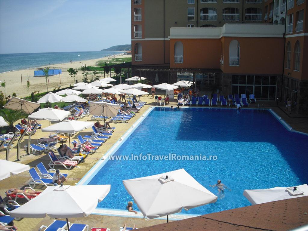 hotel48-piscina-adulti-sol-luna-bay