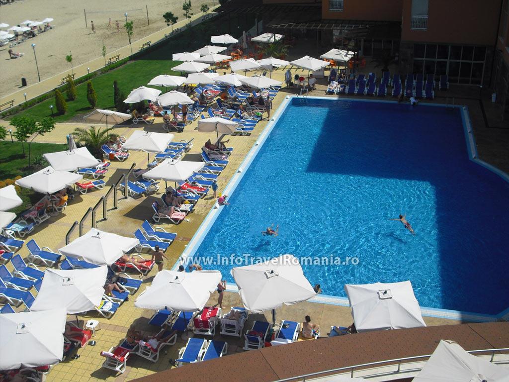 hotel49-piscina-adulti-sol-luna-bay