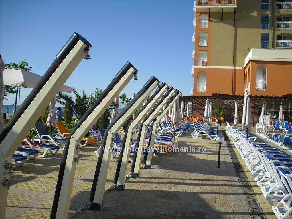 hotel55-dusuri-piscina-adulti-sol-luna-bay
