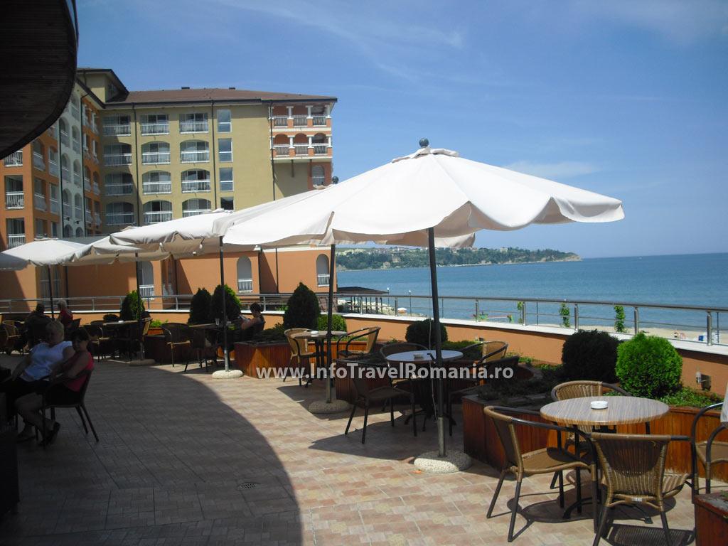 hotel61-terasa-sol-luna-bay