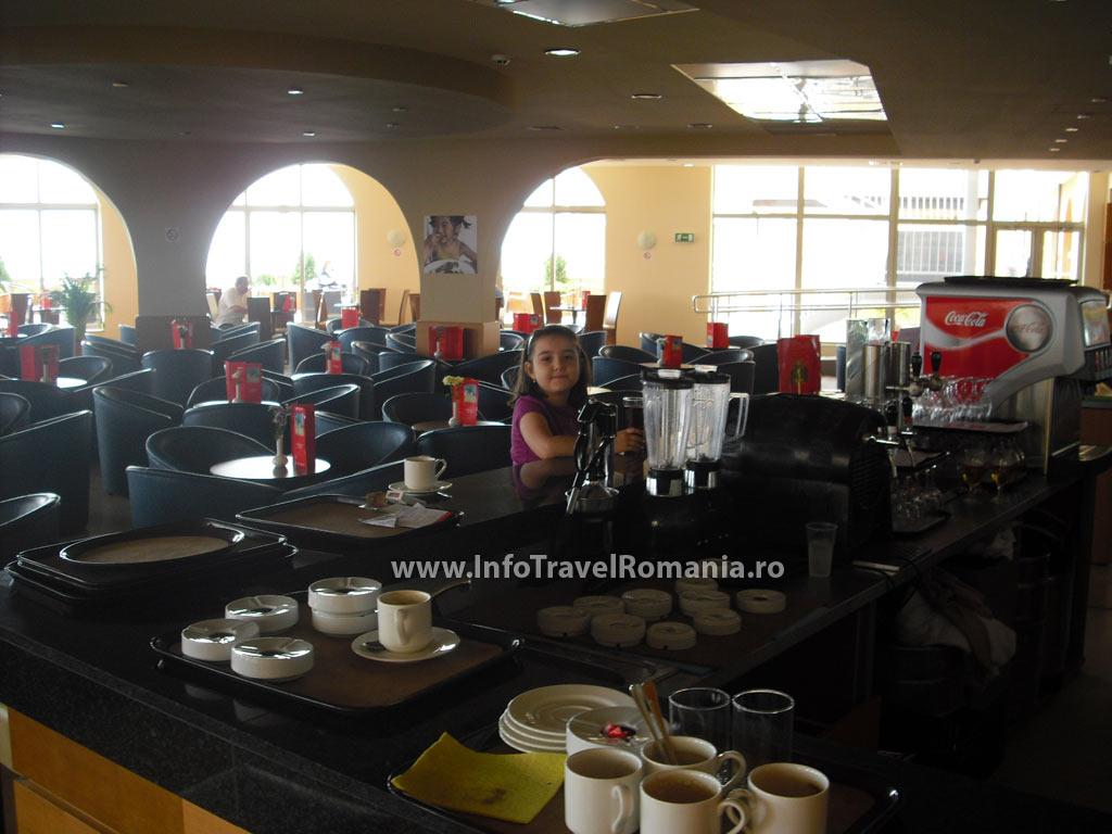 hotel6_lobby_bar_sol_luna_bay