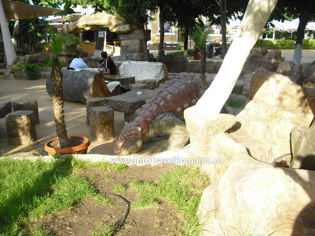 obzor3-restaurant-centru-dinozauri