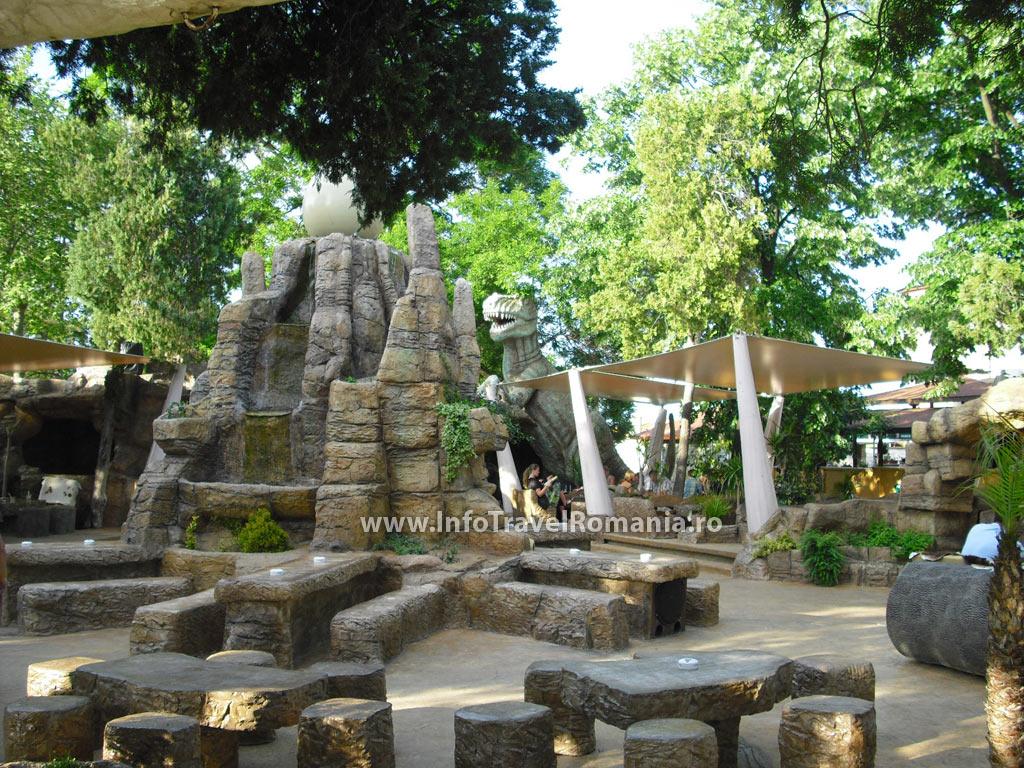 obzor4-restaurant-centru-dinozauri