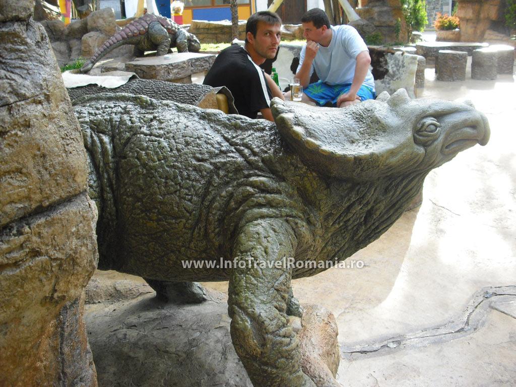 obzor6-restaurant-centru-dinozauri