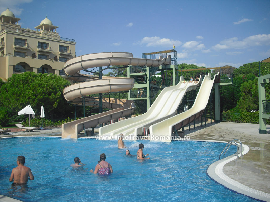 Hotel spice piscina topogane piata turistica din romania for Hotel cu piscina