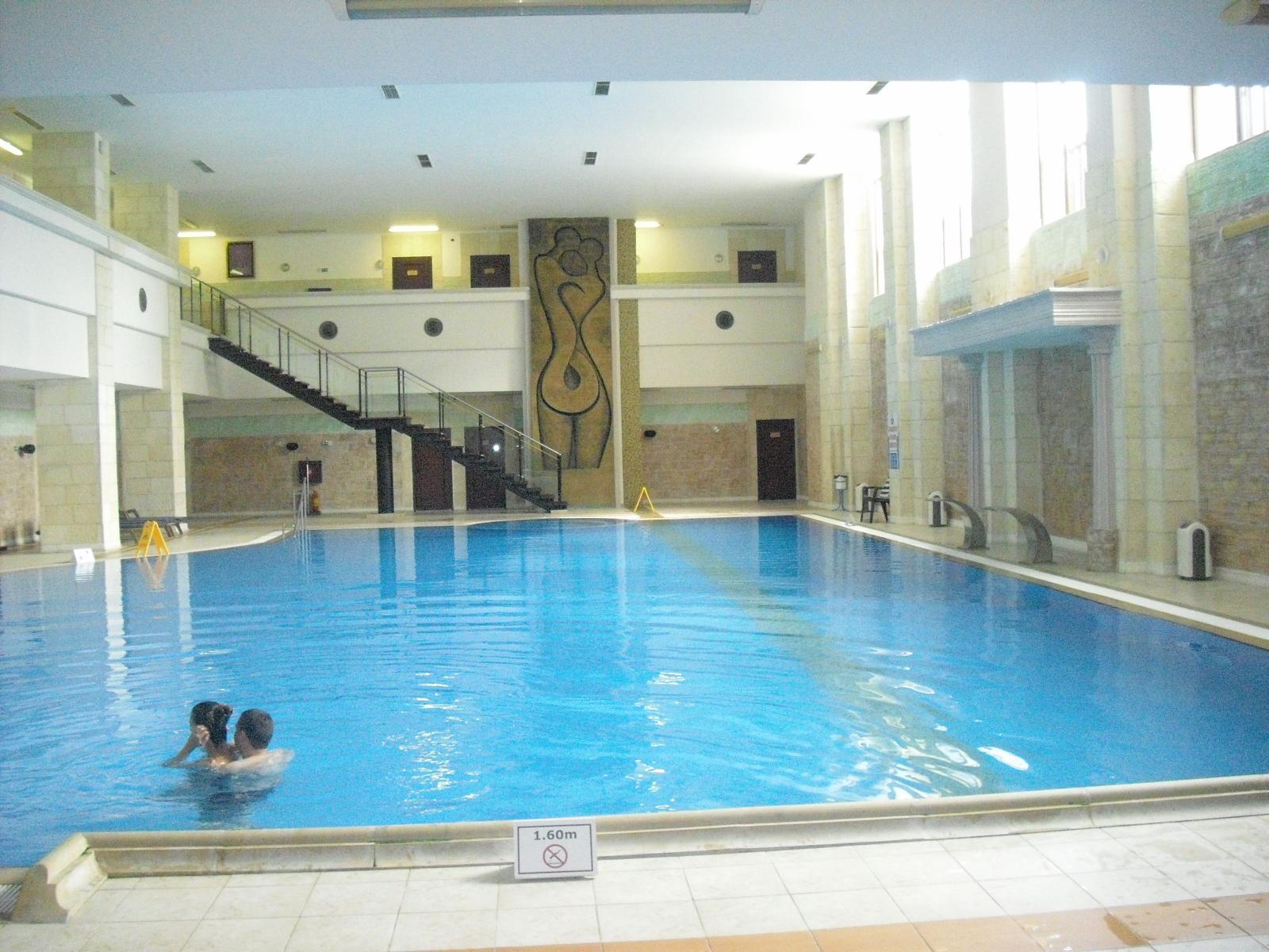 Hotel cu piscina interioara oradea