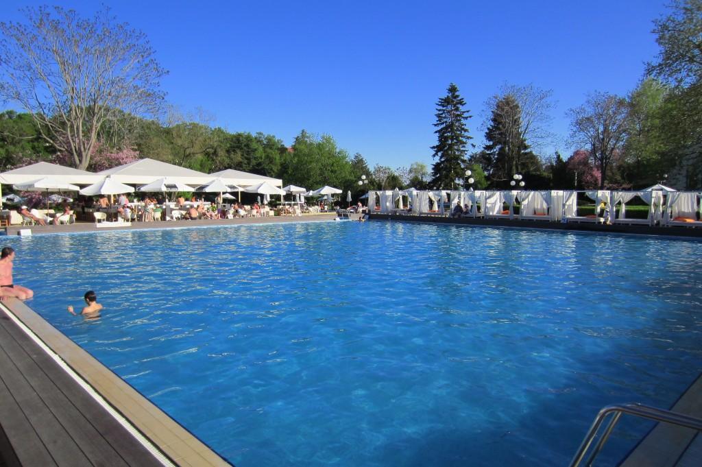 grand-hotel-varna-piscina-exterioara11