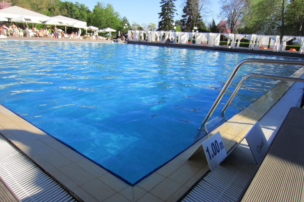 grand-hotel-varna-piscina-exterioara12