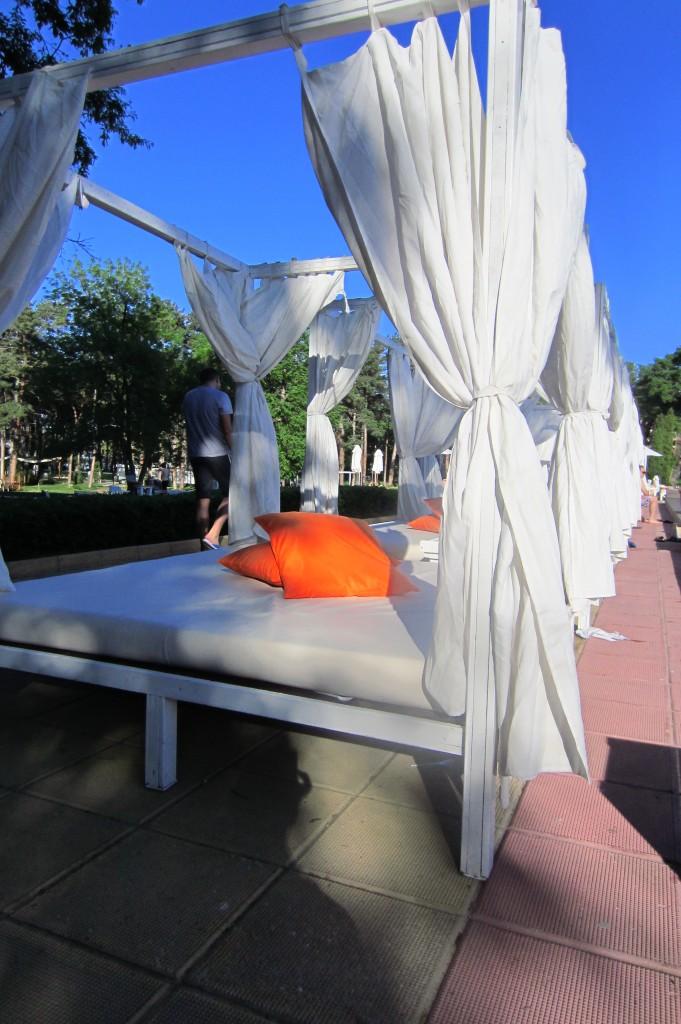 grand-hotel-varna-piscina-exterioara7