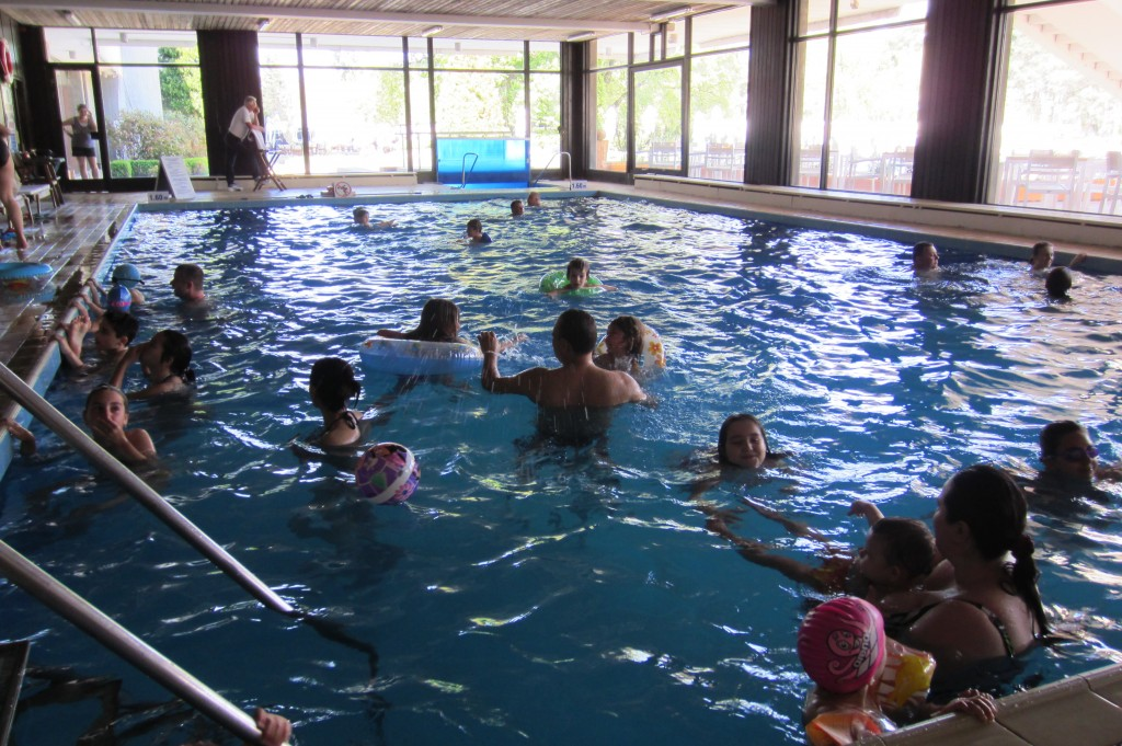grand-hotel-varna-piscina-interioara