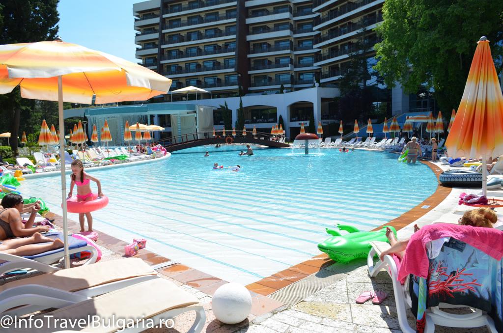 Piscina Hotel Flamingo 5* din Albena