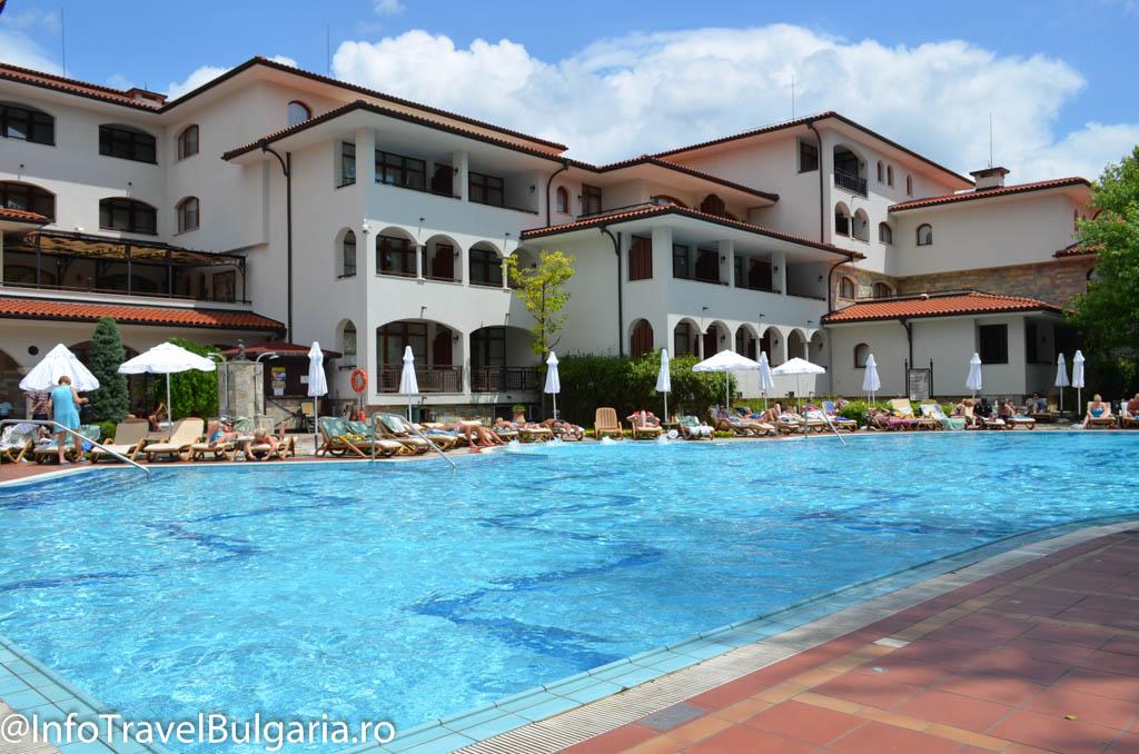 Piscina Hotel Helena Park 4*  din Sunny Beach