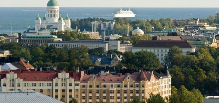 Helsinki_and_sea