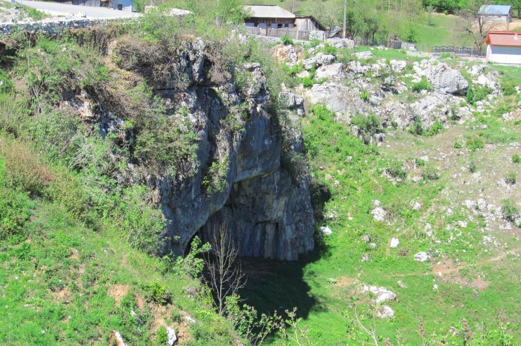 105-podul-lui-dumnezeu-ponoare-judetul-mehedinti