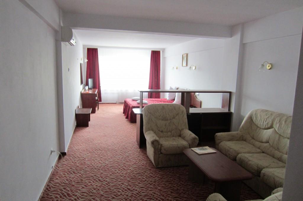 35-hotel-flora-camera-drobeta-turnu-severin