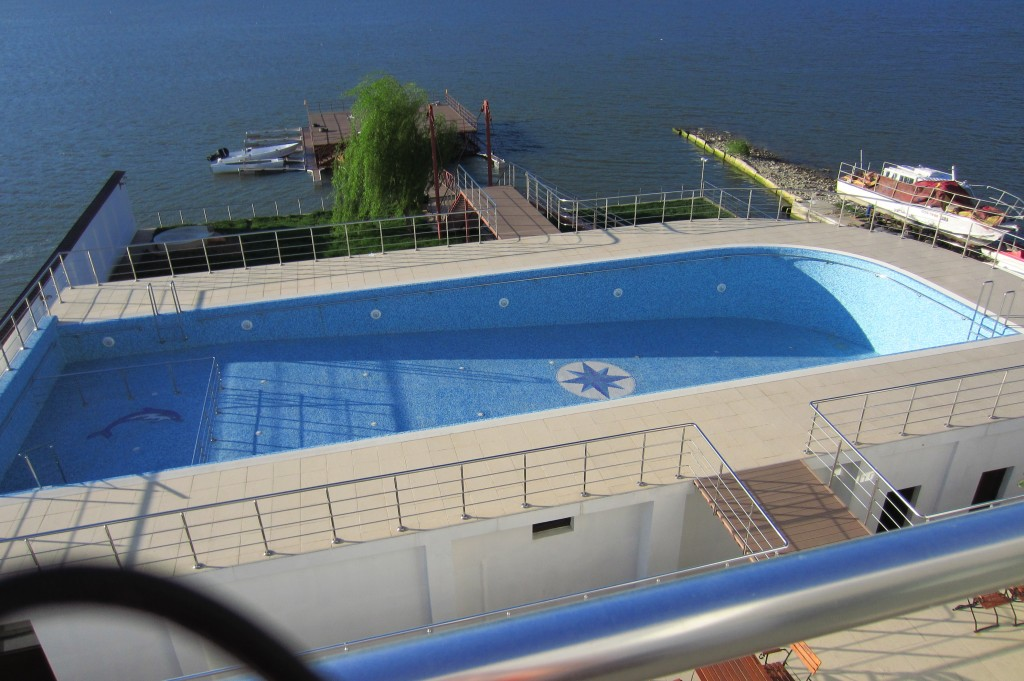 53-pensiunea-ancora-super-piscinja-mehedinti
