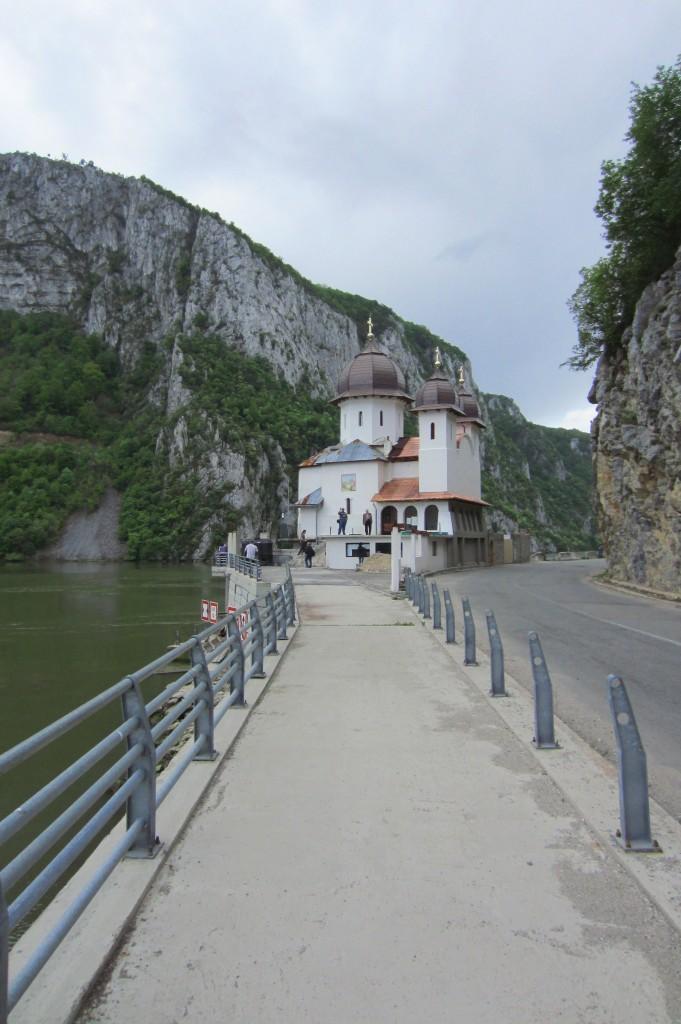 78-r-manastire-dunare