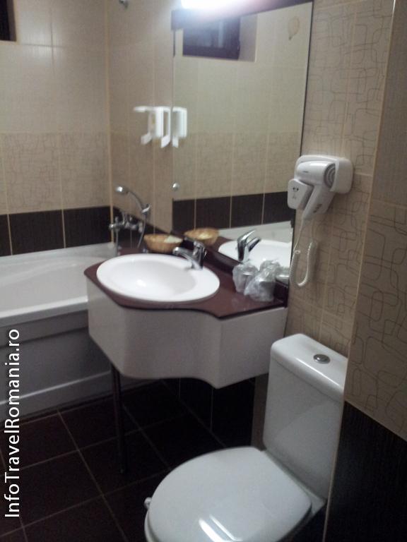 hotel-valea-cu-pesti-vidraru-3