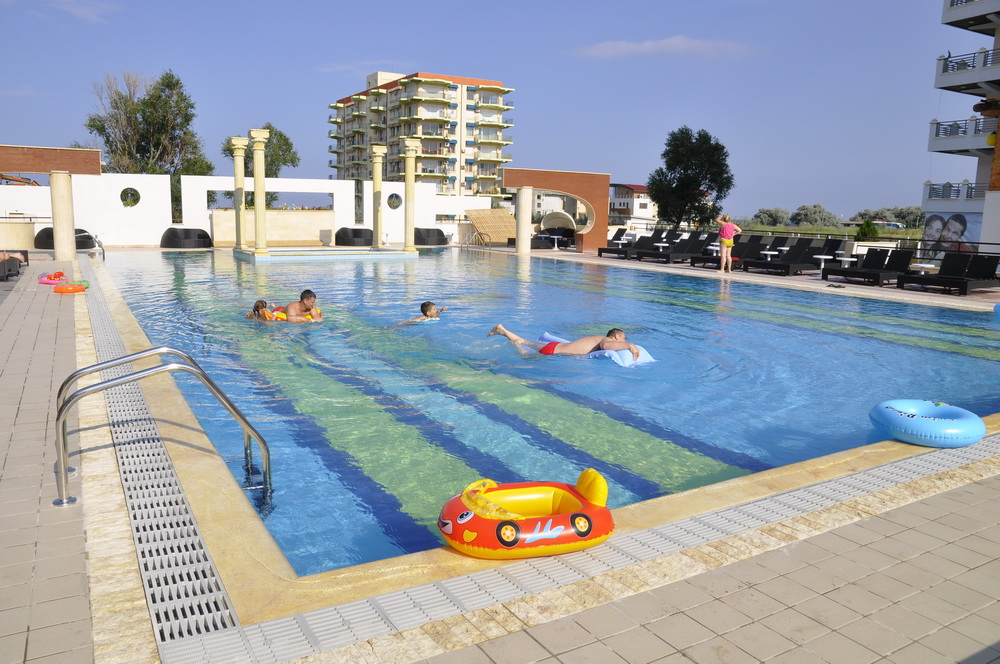 Hotel phoenicia holiday resort 4 mamaia hotel phoenicia for Hotel phoenicia luxury 4 mamaia