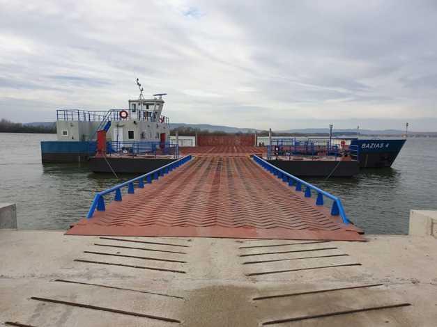 Avem bac care leaga Romania de Serbia pe Dunare