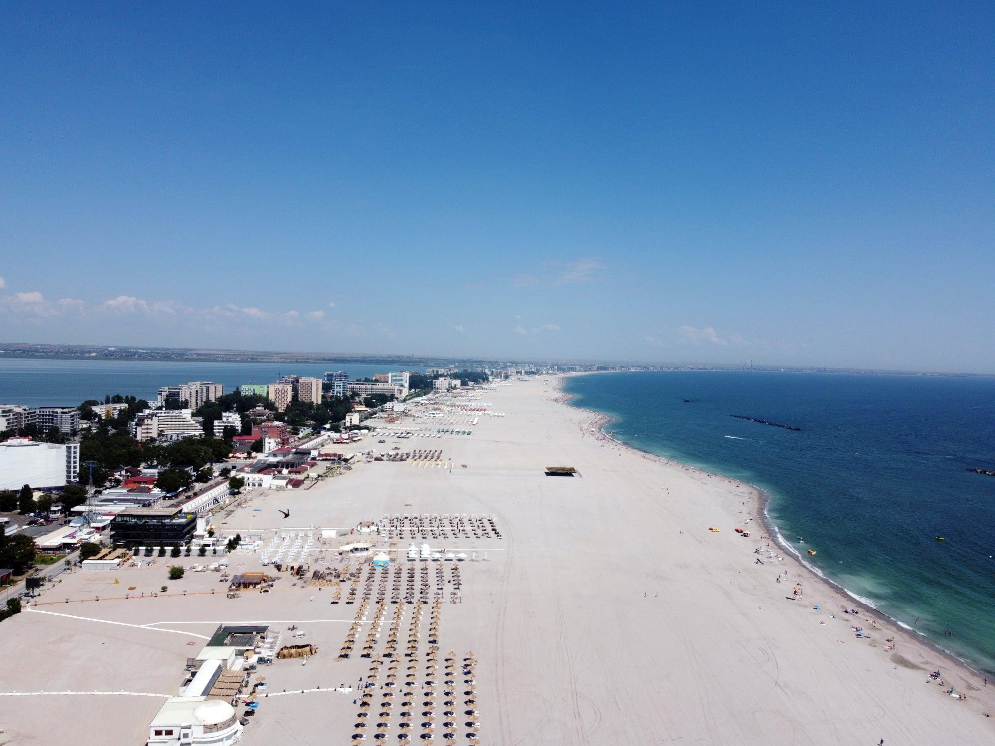 Plajele extinse sunt pline de reclamatii