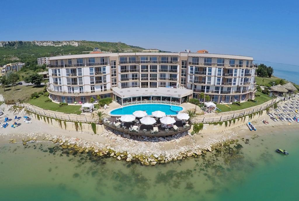 Hotel ROYAL BAY Kavarna