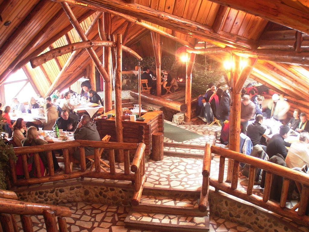 Complex turistic Cheile Gradistei Moeciu 7