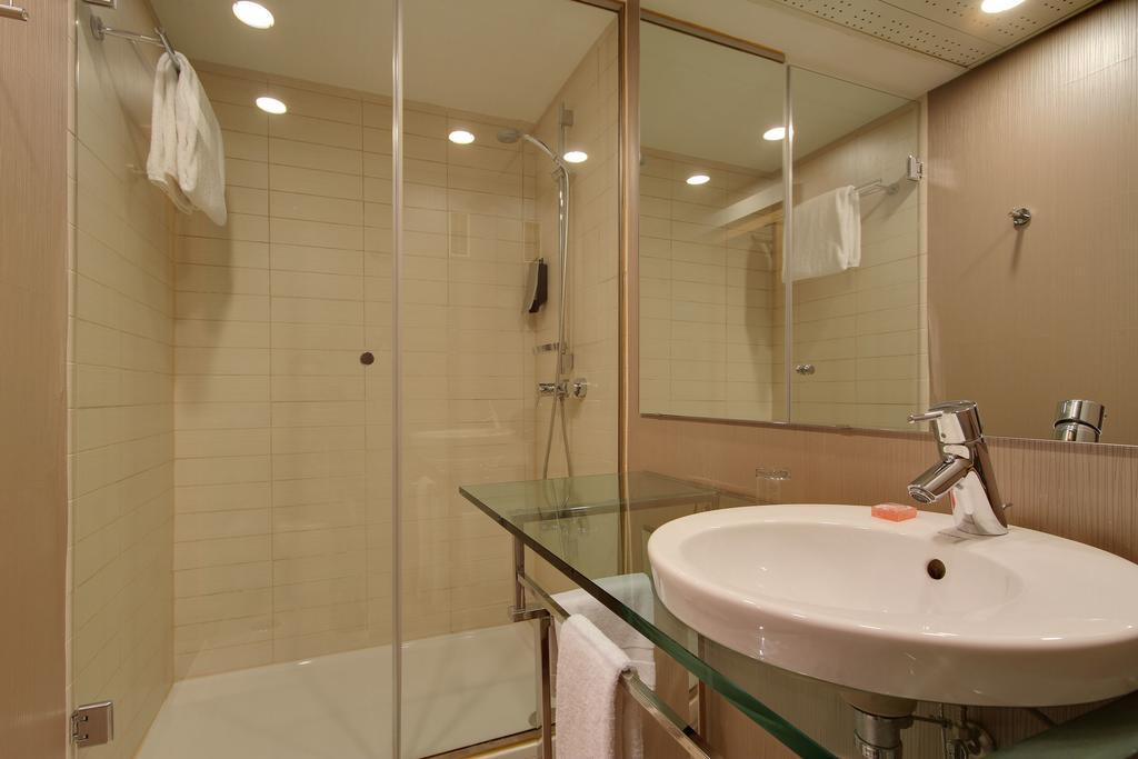 Hotel Rafaelhoteles Ventas Madrid 5