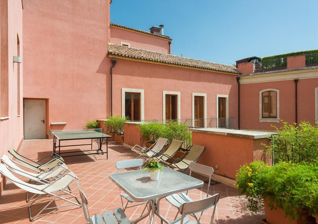 Pensiunea Camplus Guest House Catania 8