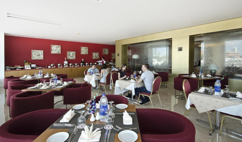 Regim hotelier Al Bustan Center & Residence Dubai 4