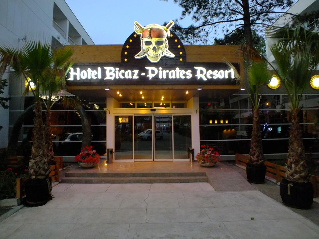 Hotel Bicaz Pirates Resort Mamaia 4