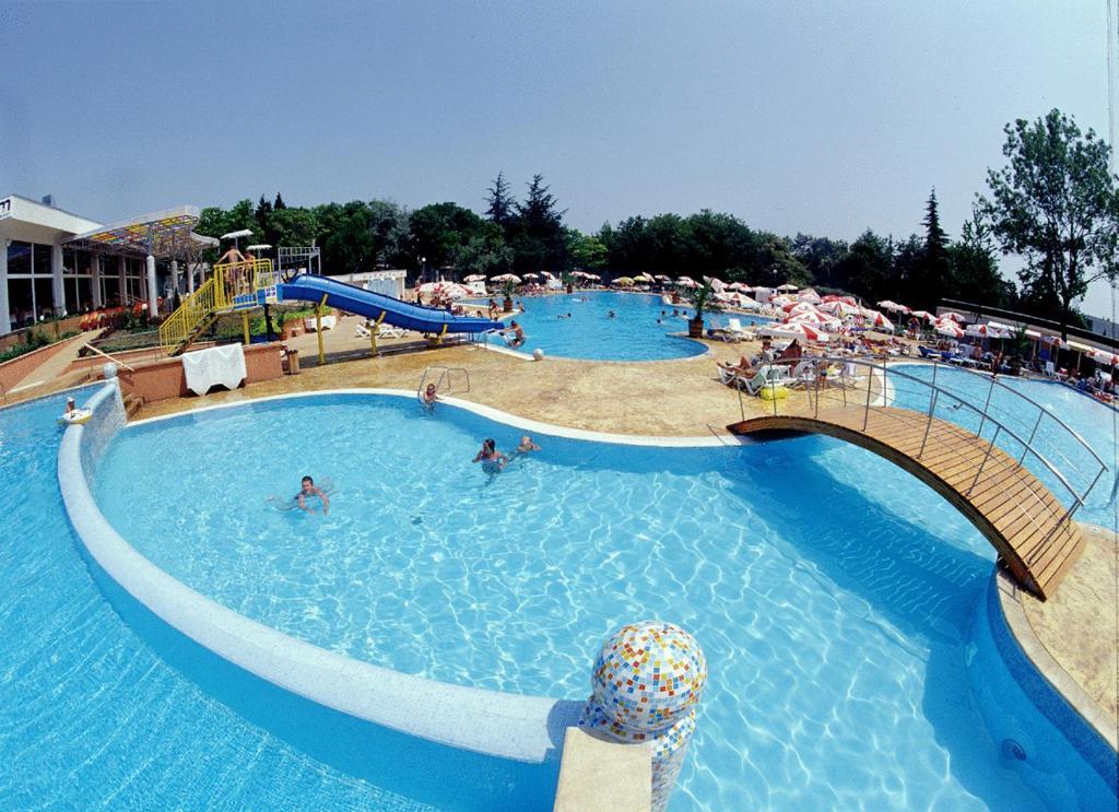 Hotel .COM Albena 4