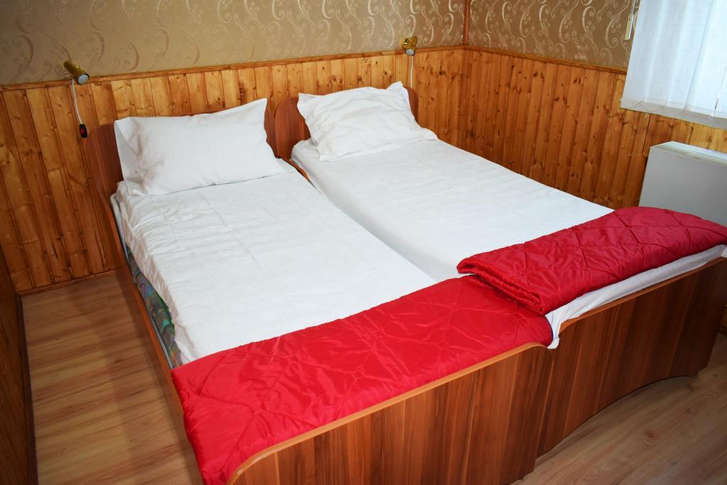 Hotel Plutitor Sfantul Constantin Sulina 8