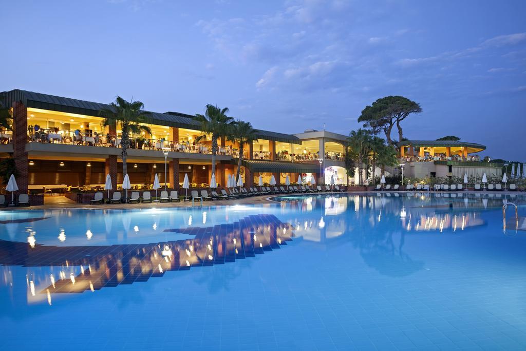 Hotel Maritim Pine Beach Resort Belek 1