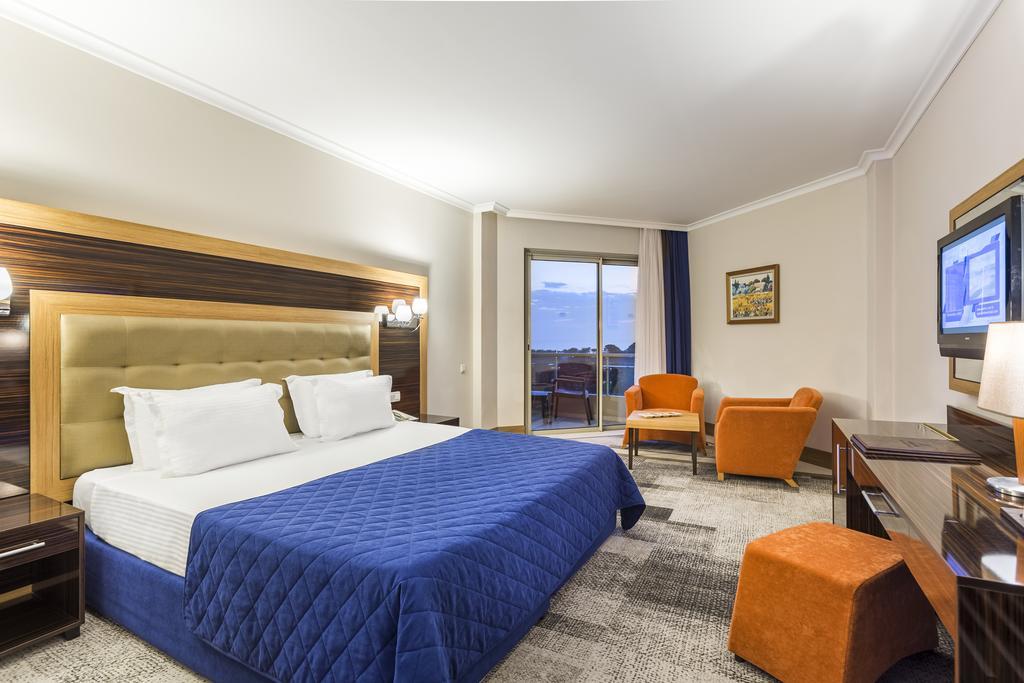Hotel Maritim Pine Beach Resort Belek 4