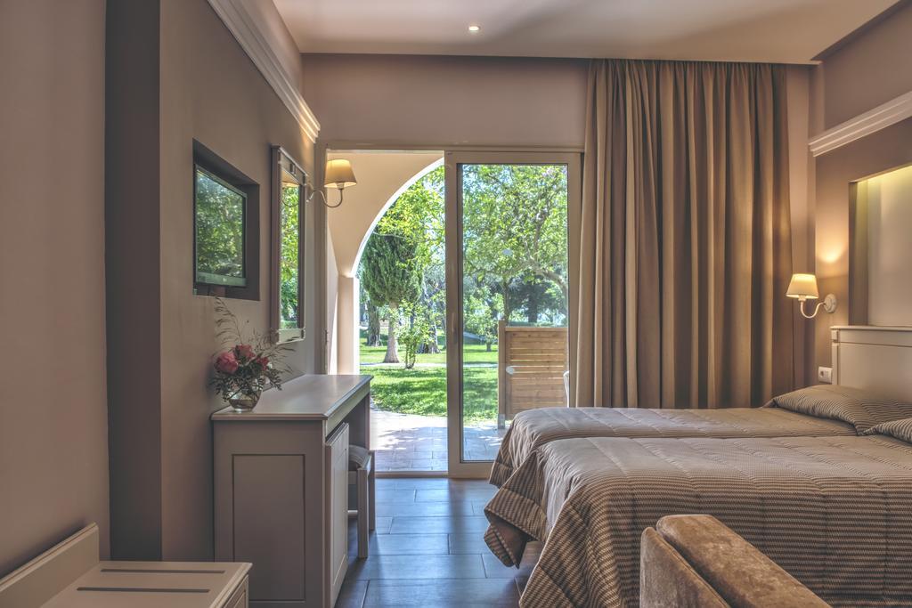 Hotel Delfinia Corfu 2