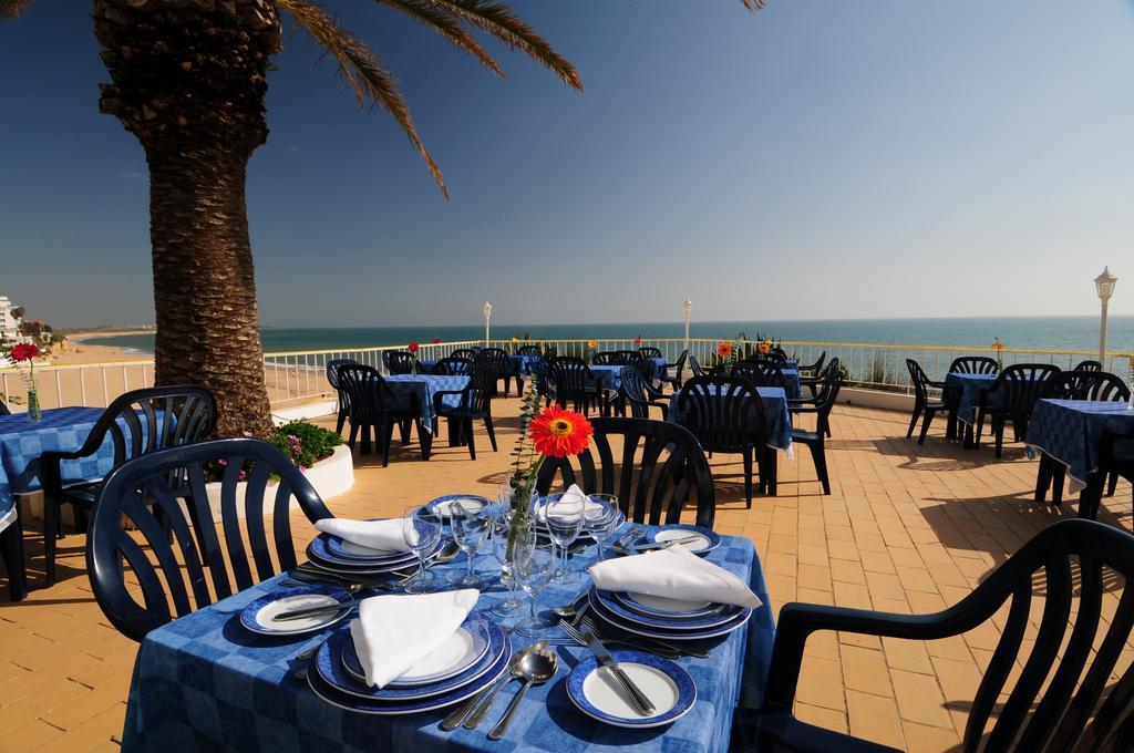 Hotel Holiday Inn Algarve Armacao de Pera 2